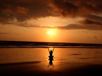backlit-balance-beach-268134